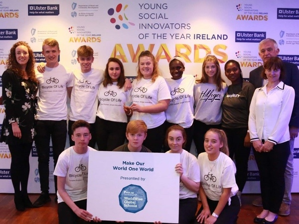 Winners of the 2018 Make Our World One World award Portmarnock Community School with YSI Guides Colette Cronin and Niall Fitzgerald and Rita Walsh Director WorldWise Global Schools